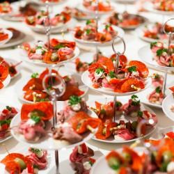 Das Essen soll zuerst das Auge erfreuen und dann den Magen. (Johann Wolfgang von Goethe)