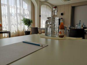 Klangschalen Meditation in der Donau Lodge